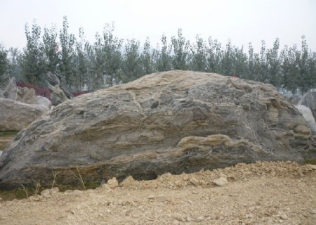雕塑大石头图片