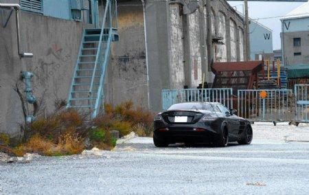 黑色奔驰SLR迈凯轮图片
