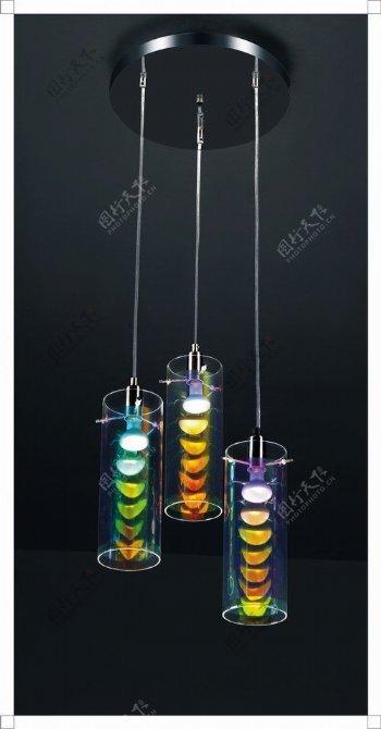 欧洲风格的简单铁吊灯