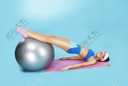 瑜伽美女人体艺术图片