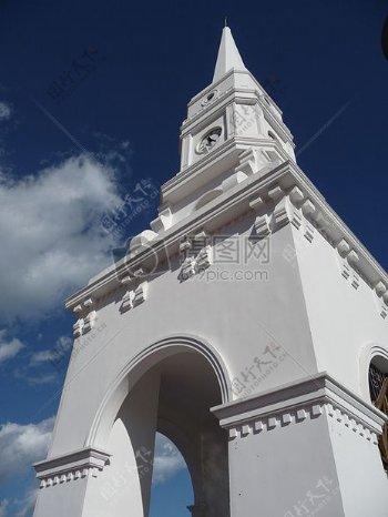 白塔的拱形门