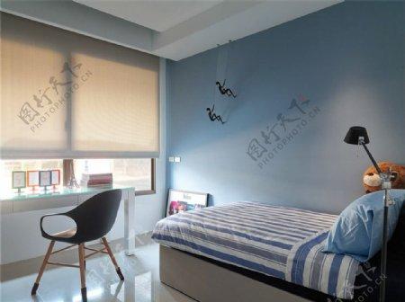 海洋清新客厅浅蓝色背景墙卧室室内装修图