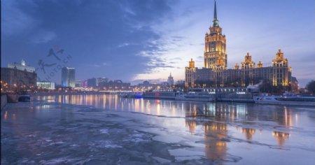 结冰的海滨欧式建筑