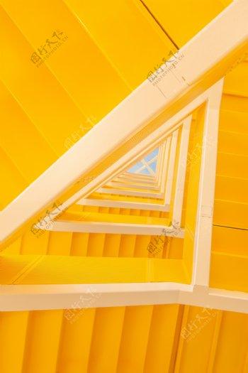 黄色建筑仰视立体空间背景素材