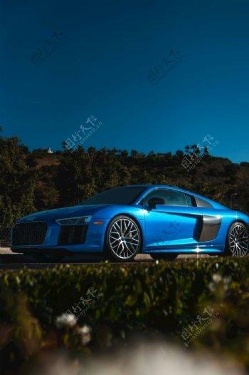 高级轿车图片