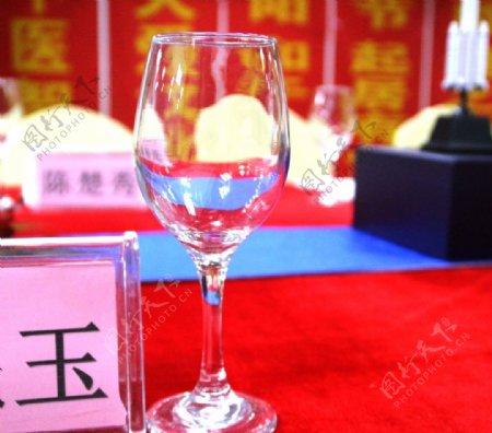 红酒杯图片