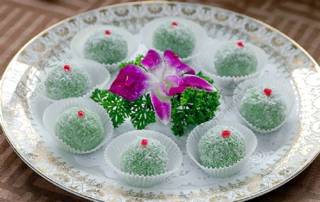 小吃雪花QQ球图片