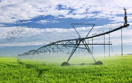 农田灌溉图片