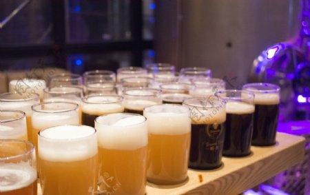 啤酒杯图片
