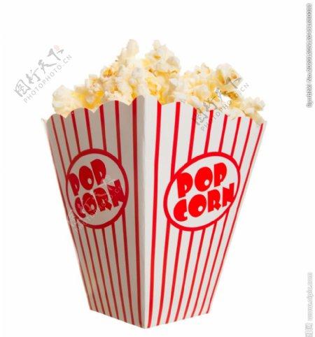 在白色条纹桶里电影院爆米花图片
