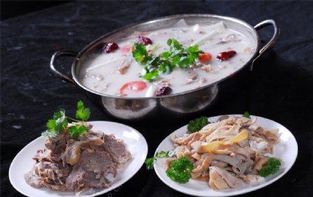 羊杂组合汤锅图片