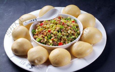 杂粮碎米鸭图片