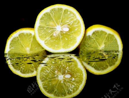 倒影柠檬片图片
