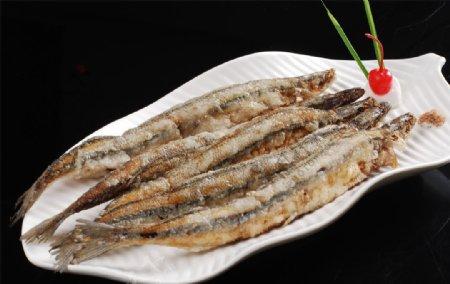 椒盐秋刀鱼图片